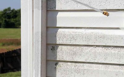 How to Clean Siding With a Power Washer